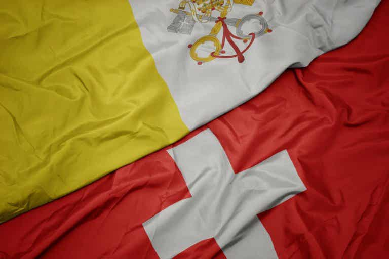 Suiza y el Vaticano, únicos países con banderas cuadradas