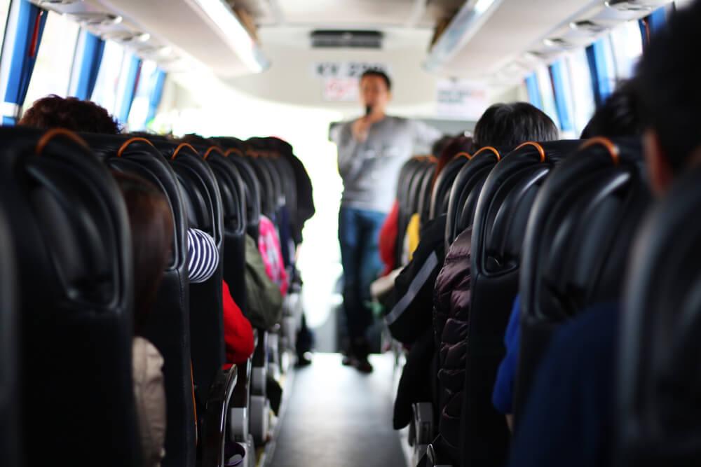 Bus turístico, uno de los aspectos que no siempre representa ahorros de viaje
