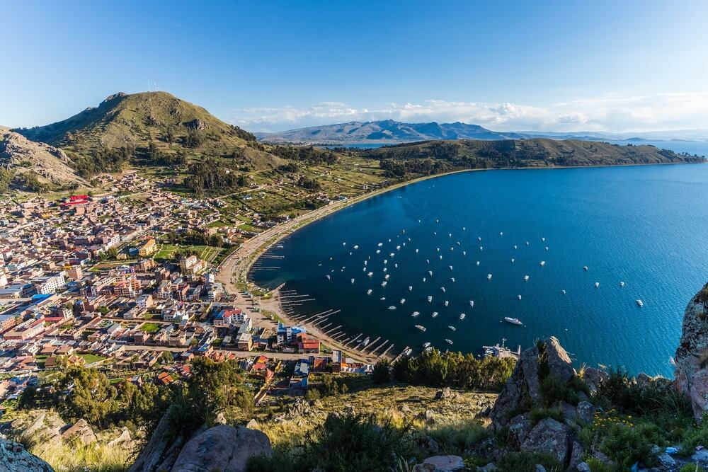 Lago Titicaca, que alberga las islas Amantaní y Taquile
