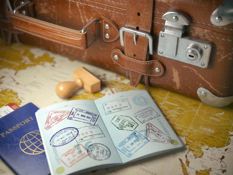 Lo que NO debes hacer si viajas al exterior
