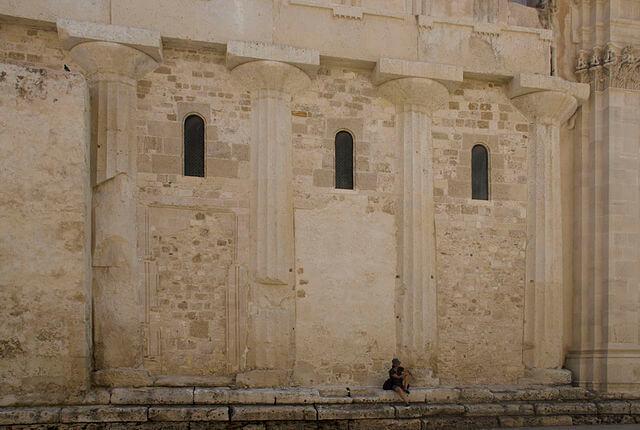 Columnas griegas del templo