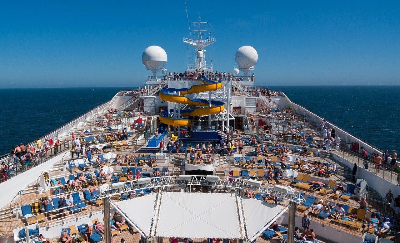 Piscina de un crucero
