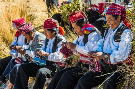 Tejedores en Taquile