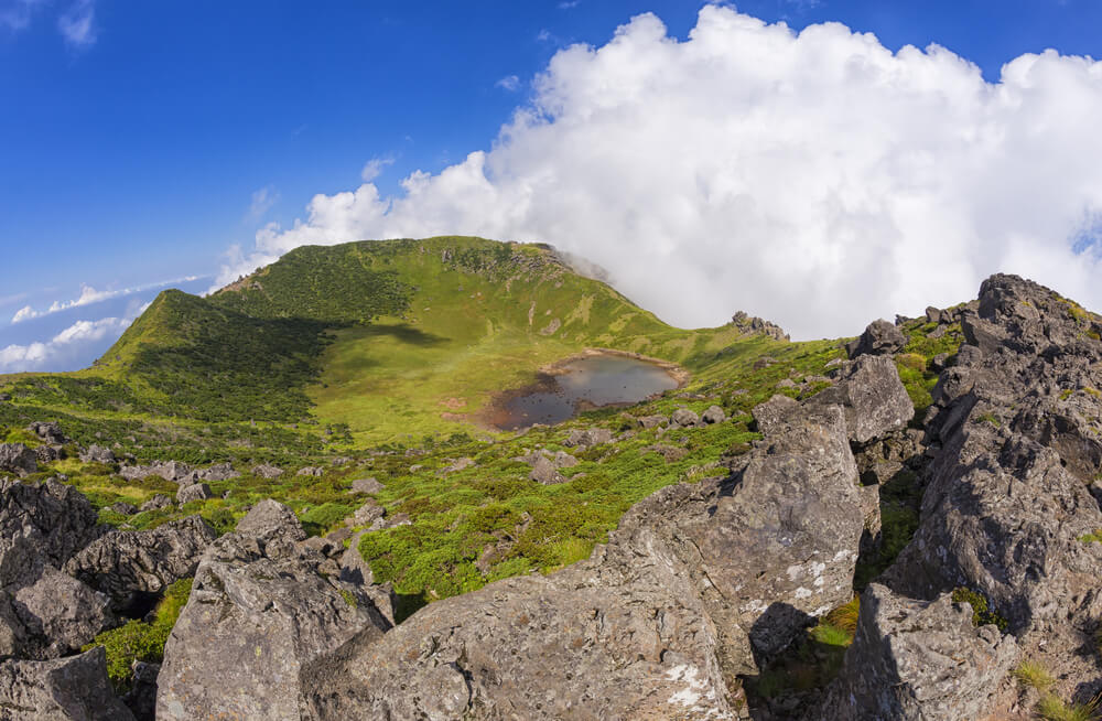 Volcán Hallasan en la isla Jeju