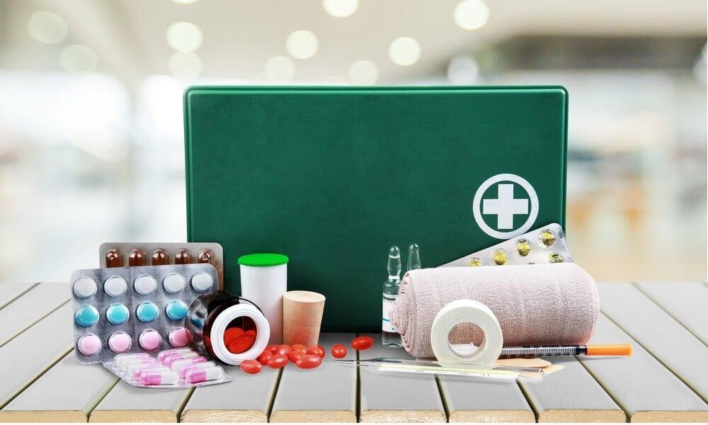 Botiquin con pastillas para cuidar tu estómago
