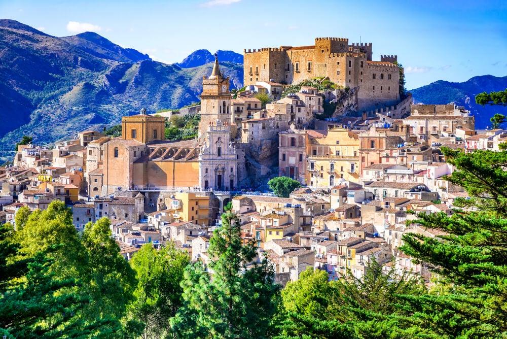 Ruta por los preciosos castillos de Sicilia