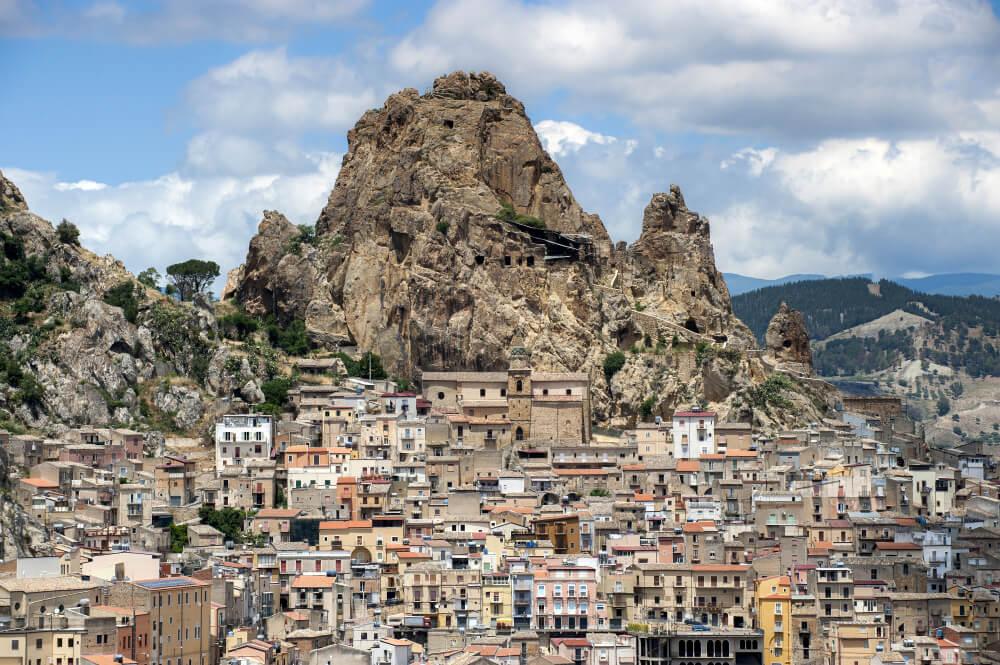 Castelferrato, uno de los castillos de Sicilia más curiosos