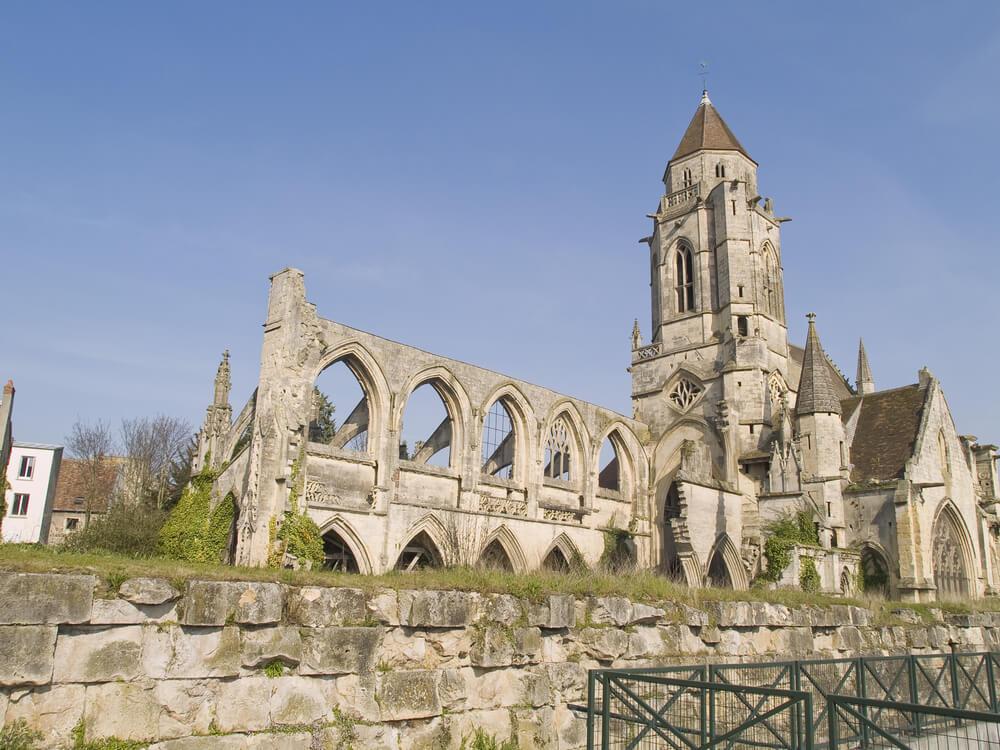 Iglesia bombardeada en Caen