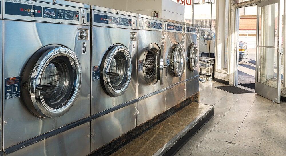 Lavandería para lavar la ropa durante un viaje
