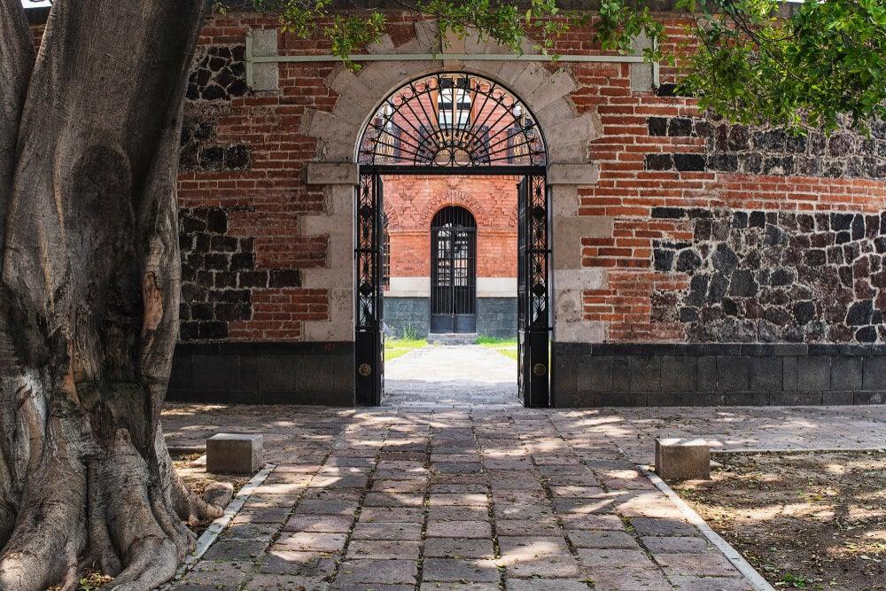 Entrada al palacio de Lecumberri