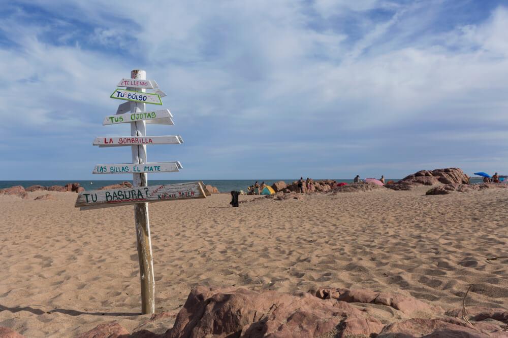 Las Grutas, una de las playas secretas y fascinantes