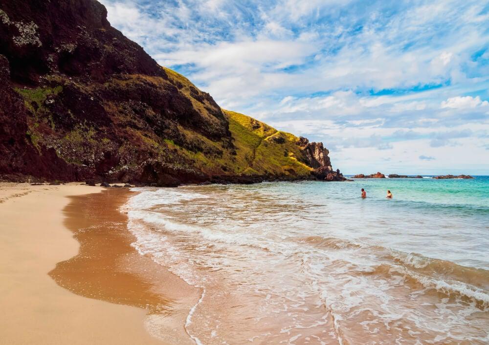 Playa Ovahe en la isla de Pascua