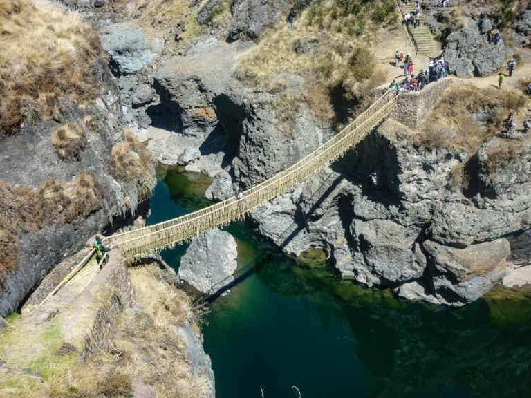Cruzamos el puente inca de Q'eswachaka