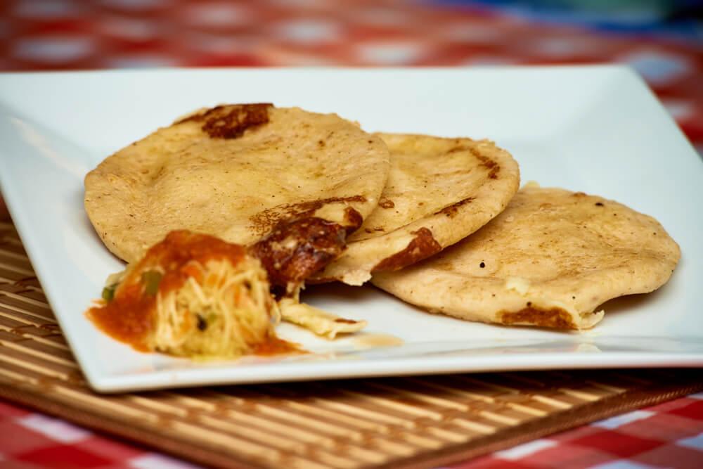 Pupusas típicas de la gastronomía salvadoreña
