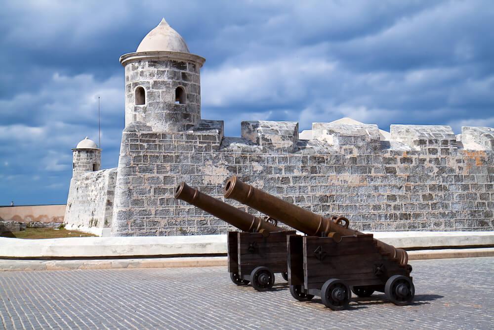 Castillo de San Salvador de La punta, una de las fortalezas de Cuba