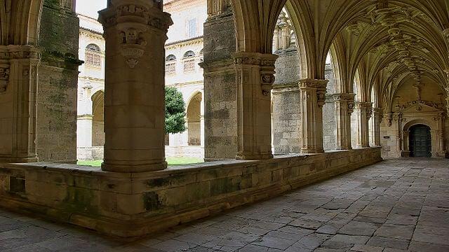 Claustro del monasterio de San Zoilo