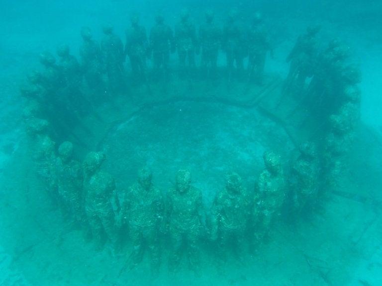 Descubre el parque escultórico submarino de Molinere