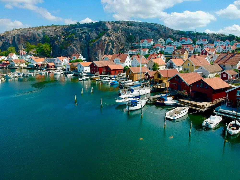 Vista de Fjällbacka, uno de los pueblos de la costa oeste de Suecia