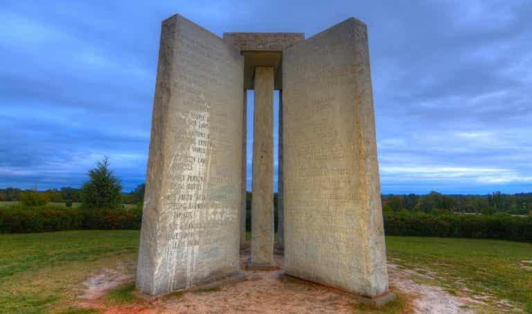 El misterioso monumento de Guidestones en Elberton