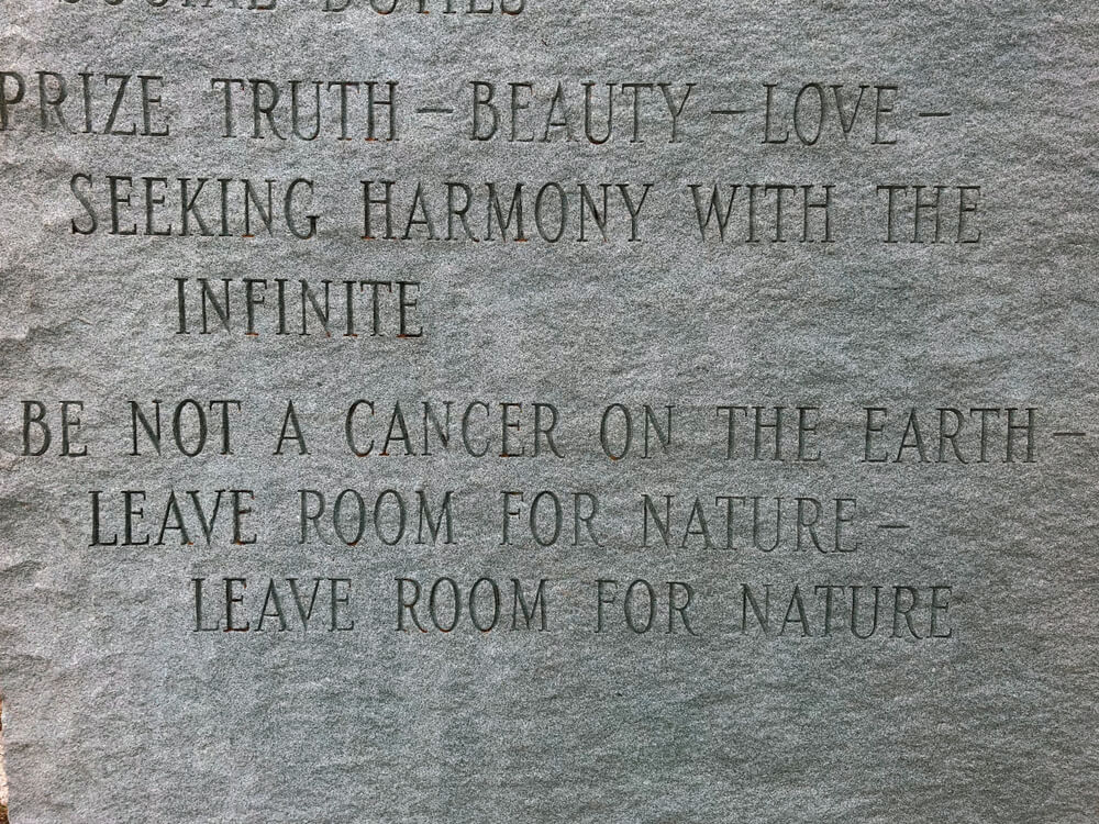 Inscripción en el monumento