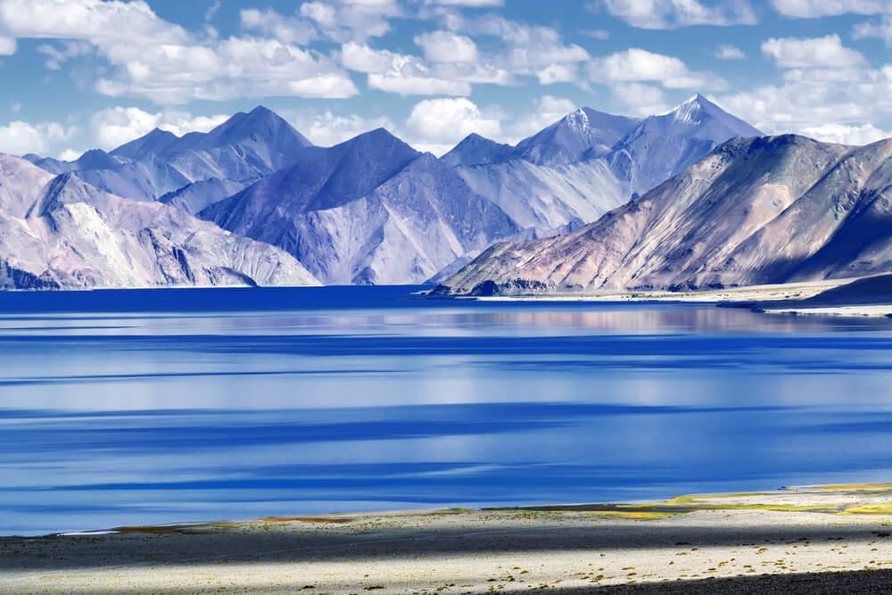 Vista del lago Pangong Tso