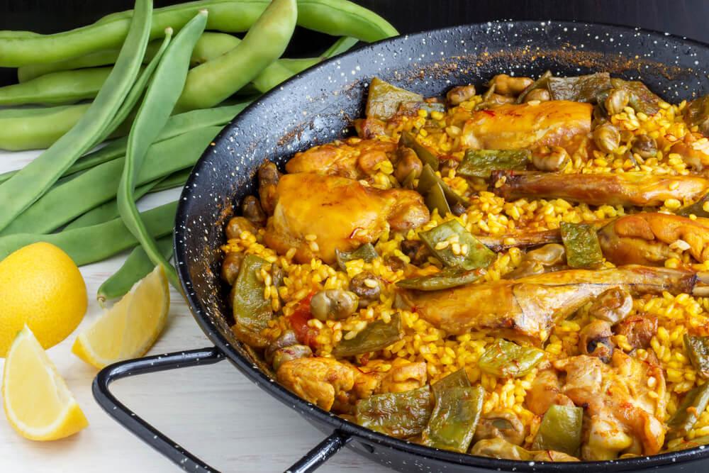 Paella, plato típico de la gastronomía española