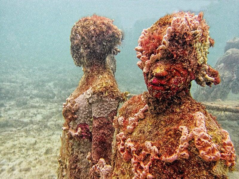 Estatuas del parque escultórico submarino de Molinere