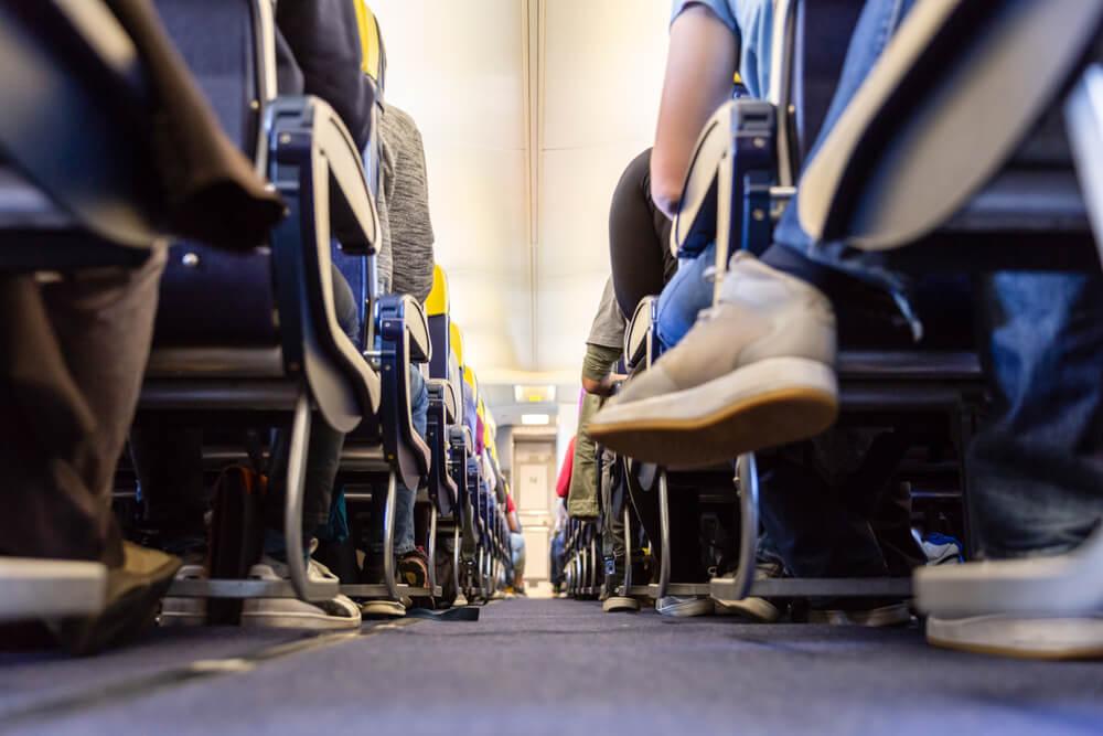 Cómo evitar que los pies se hinchen durante un viaje