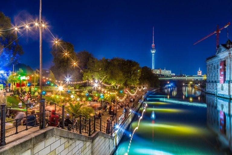 Disfruta de algunas de las ciudades con mejor vida nocturna