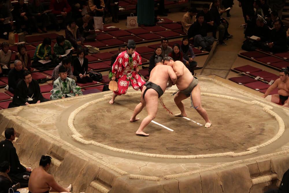El sumo, mucho más que un deporte en Japón