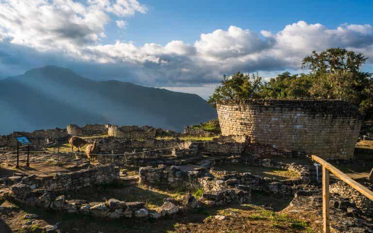 Ruinas incas que no tienen nada que envidiar a Machu Picchu