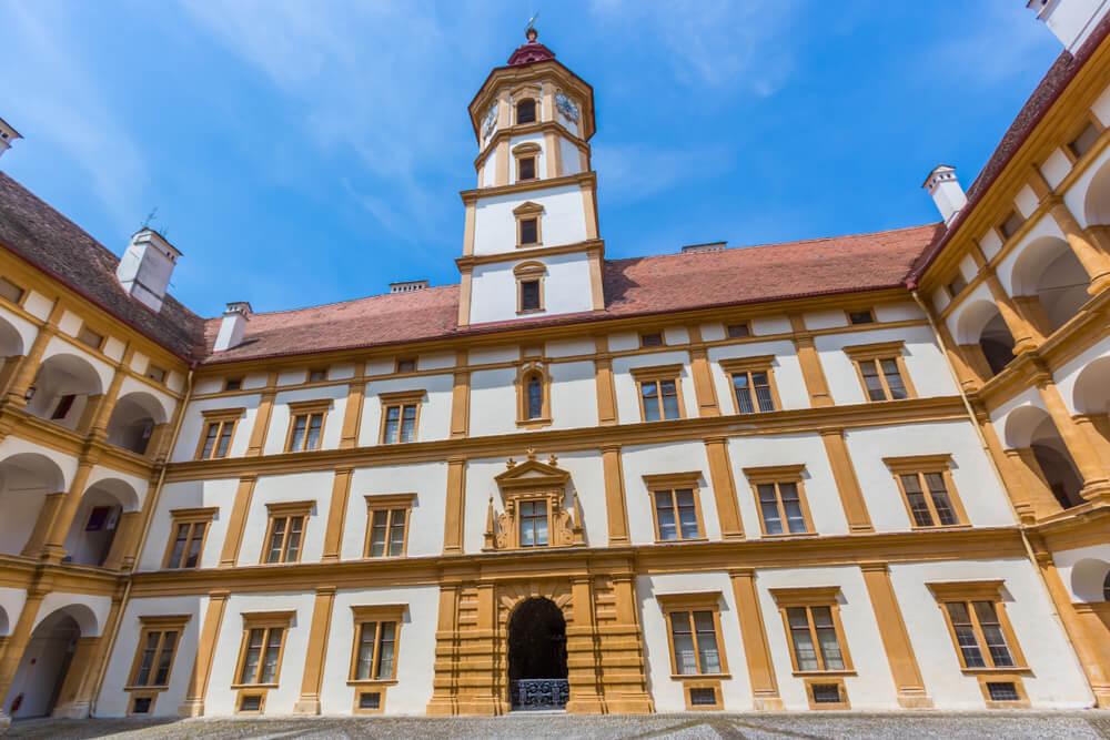 Patio del castillo de Egenberg