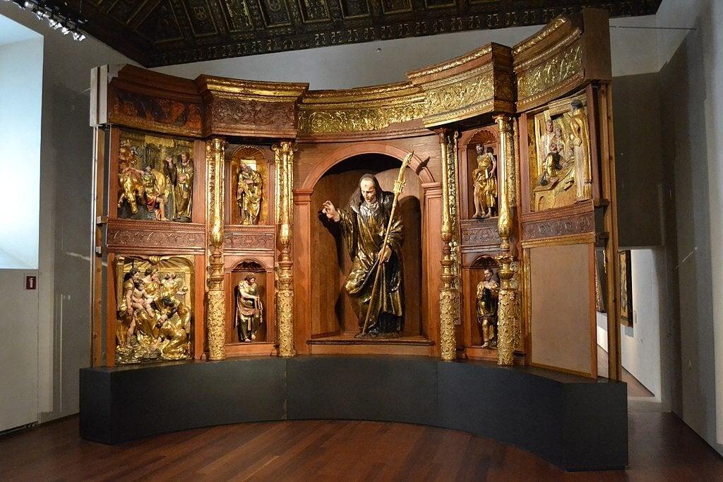 REtablo de San Benito el Mayor en el Museo Nacional de Escultura