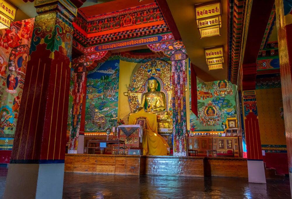 Sala del palacio de Norbulingka