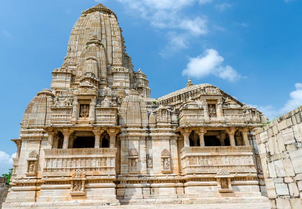 Vista del templo de Meera