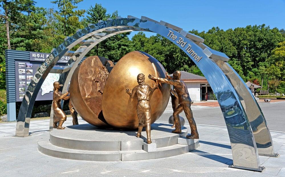 Escultura en el Tercer Túnel