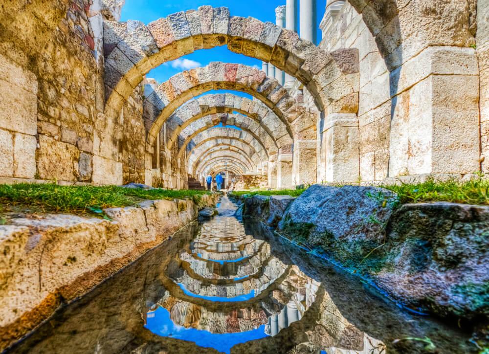 Ruinas del Ágora de Esmirna