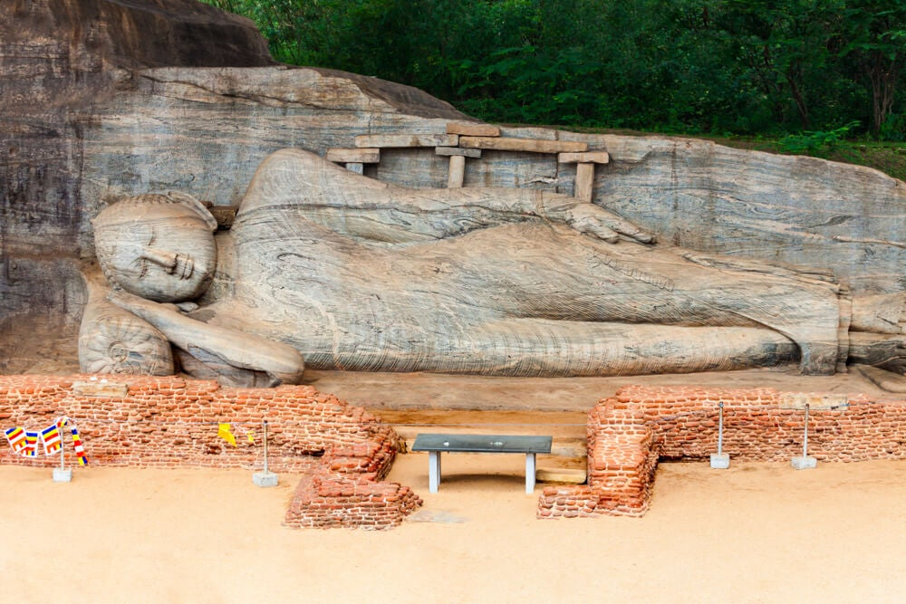 Estatua de Buda en Gal Vihara