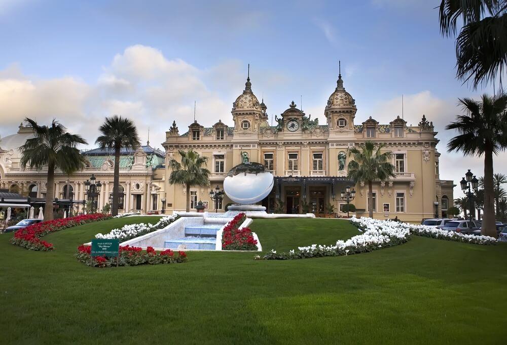 Casino de Montecarlo, una de las ciudades para amantes del juego