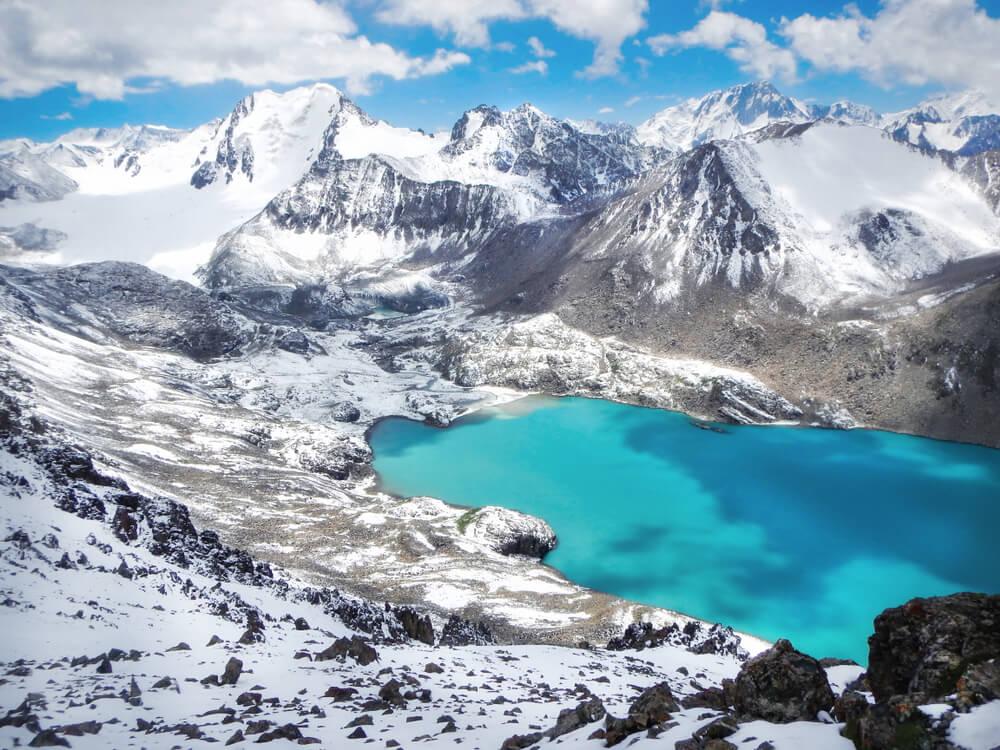 Lago Ala Kul, uno de los atractivos para visitar Kirguistán