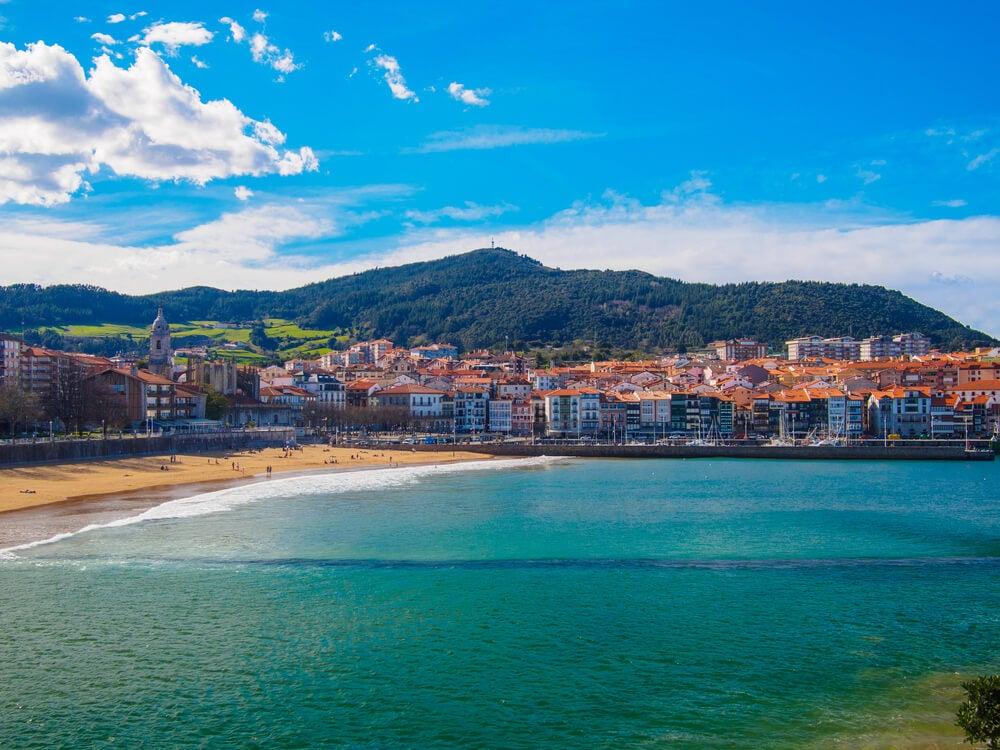 Vista de Lekeitio en Vizcaya