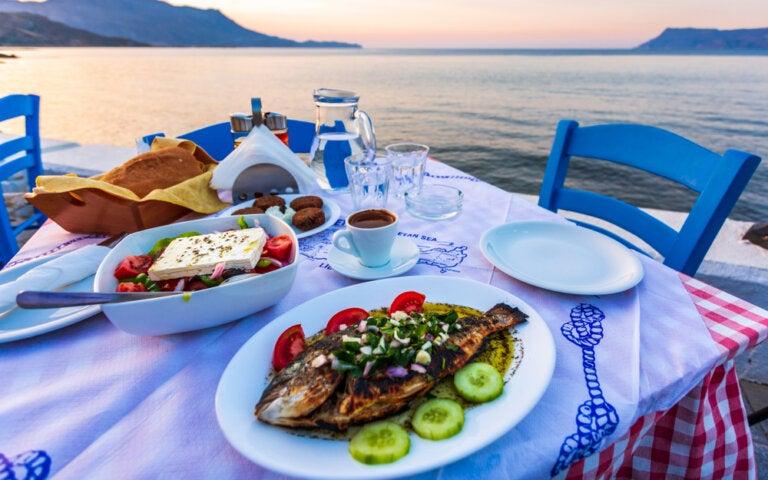 Platos tradicionales que debes comer en las islas griegas