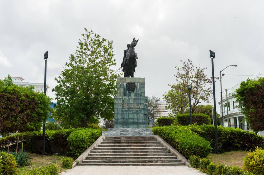 Monumento a Bolívar en La Habana