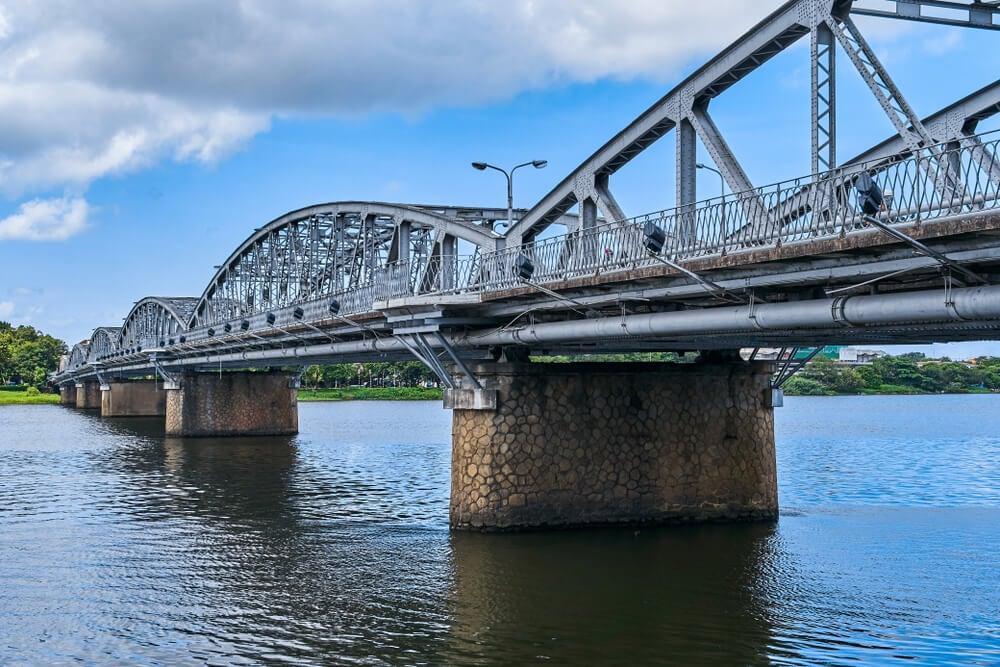 Puente-Trang-Tien