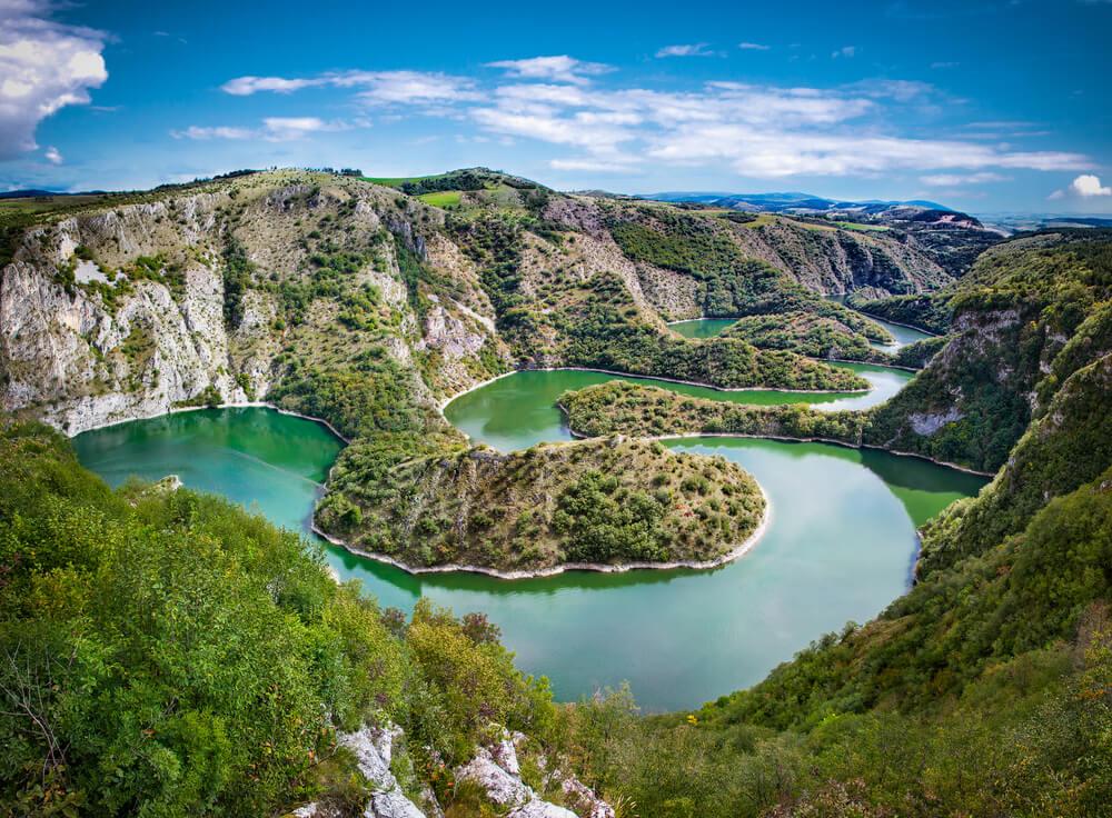Rí Uvac, uno de los ríos fuera de lo común