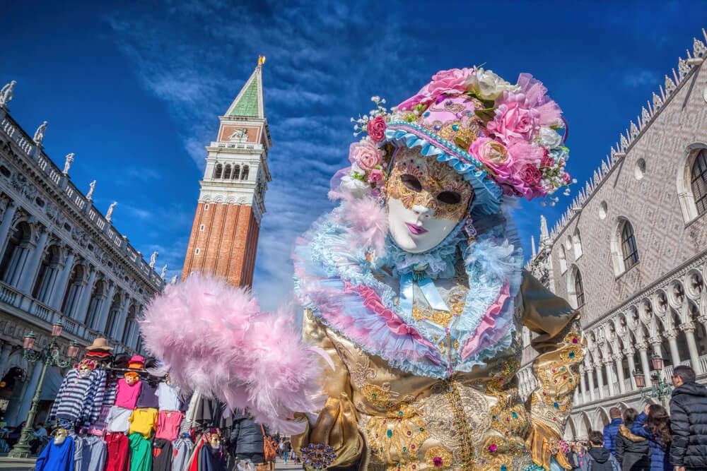 Mujer en el Carnaval de Venecia