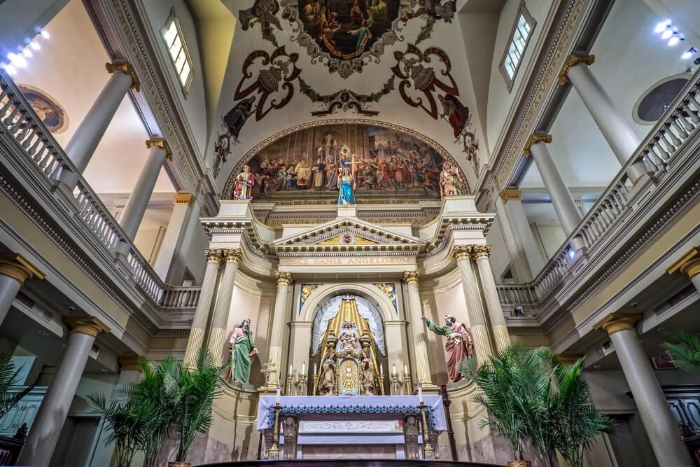 Interior de la catedral de San Luis en Nueva Orleans