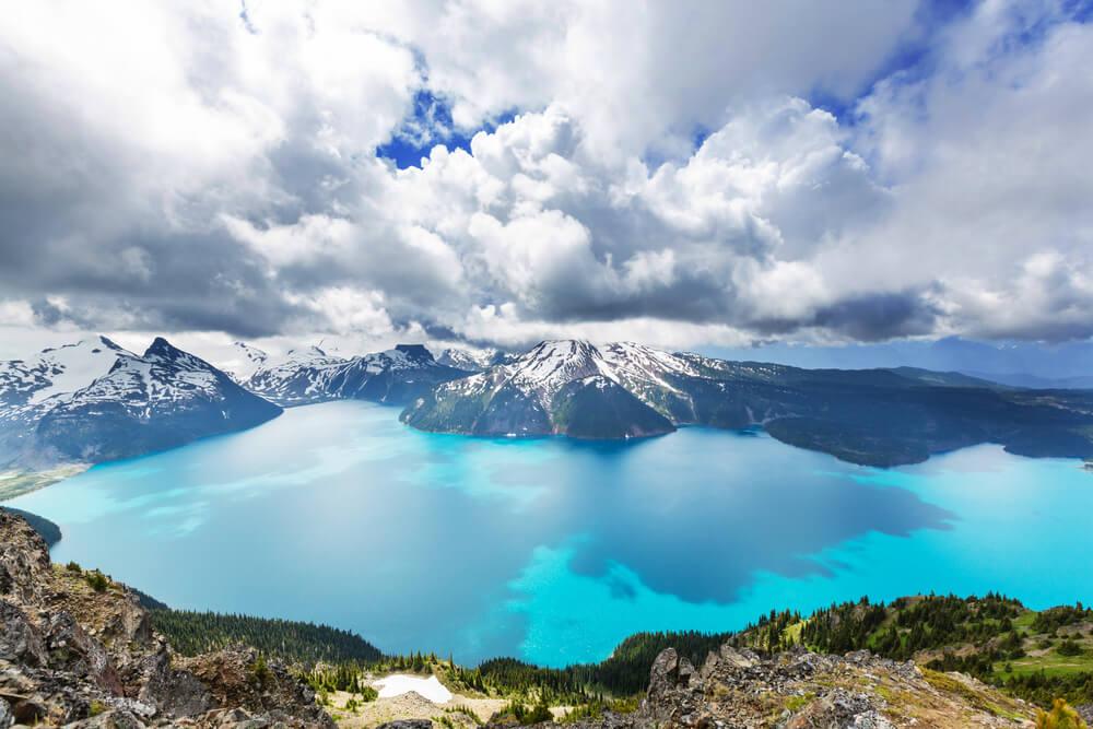 Vista del lago Garibaldi