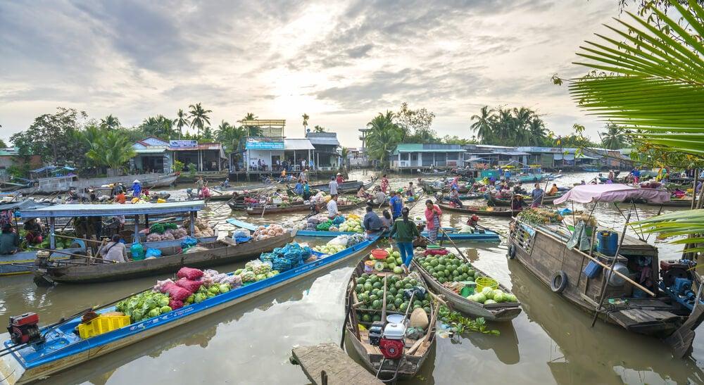 Vita del mercado flotante de Can Tho