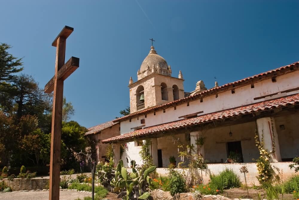 Misión de San Carlos Borromeo de Río Carmelo
